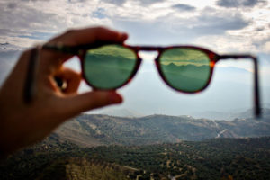 viewing mountains from polarized sunglasses